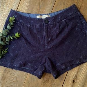 LC Mid-rise lace shorts
